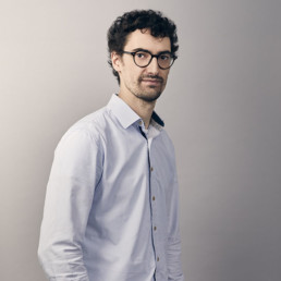 Portrait photo of Davy, software architect at PENCIL42